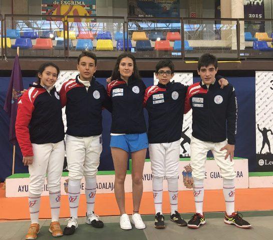 Los 4 tiradores M-14 con María Mateos